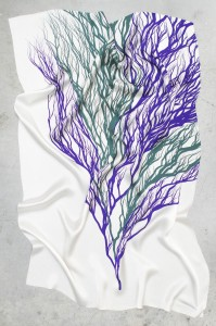 http://www.dutchinvertuals.nl/collected/site/wp-content/uploads/ROOTS_SCARF_PURPLE_2013_EDHV_HR_001.jpg